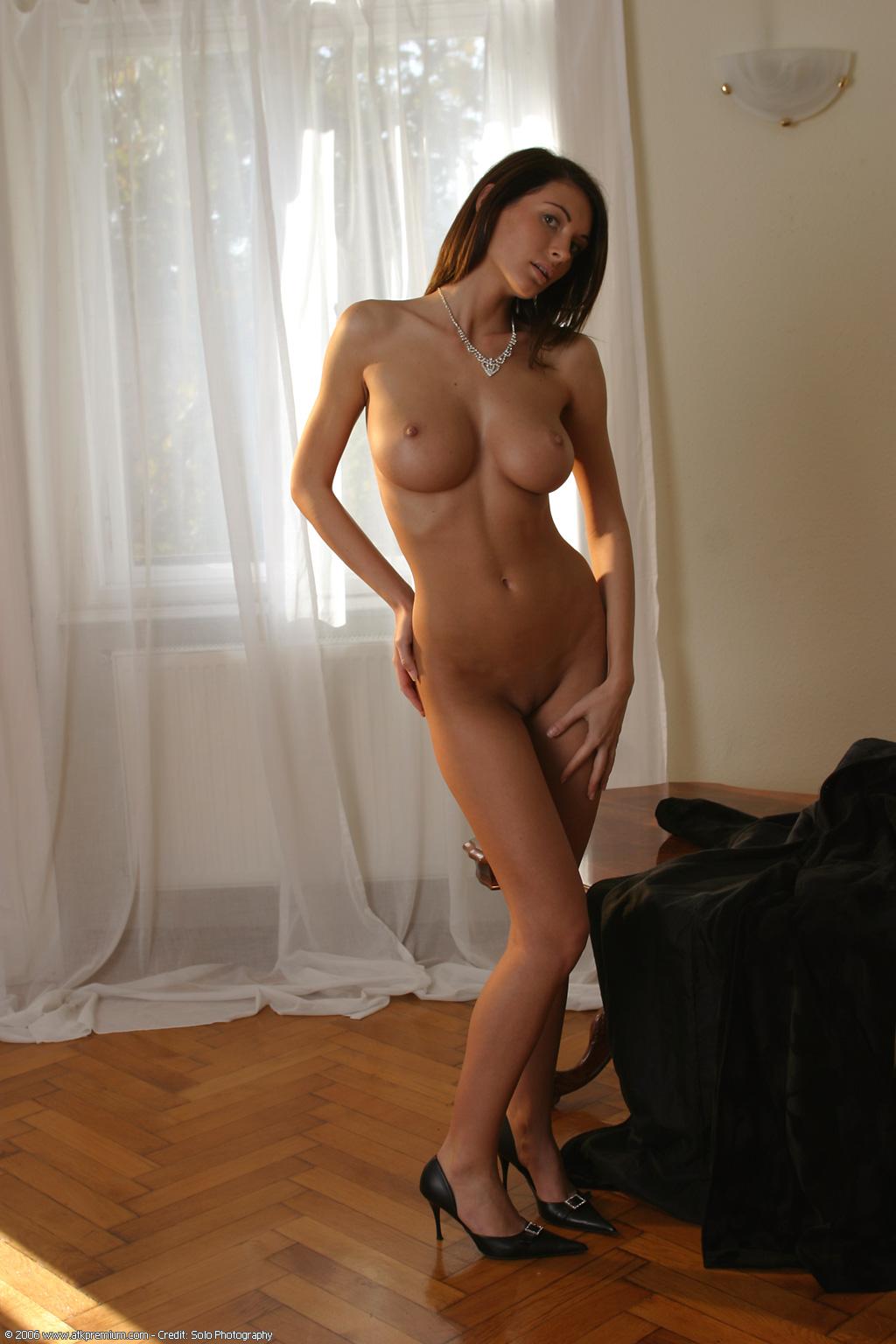 Orsi Kocsis Topless photo 10