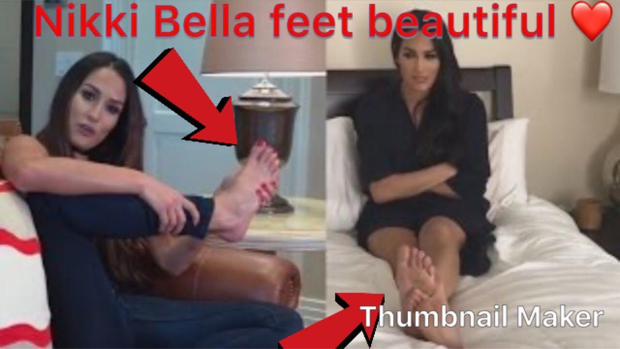 Nikki Bella Toes photo 28