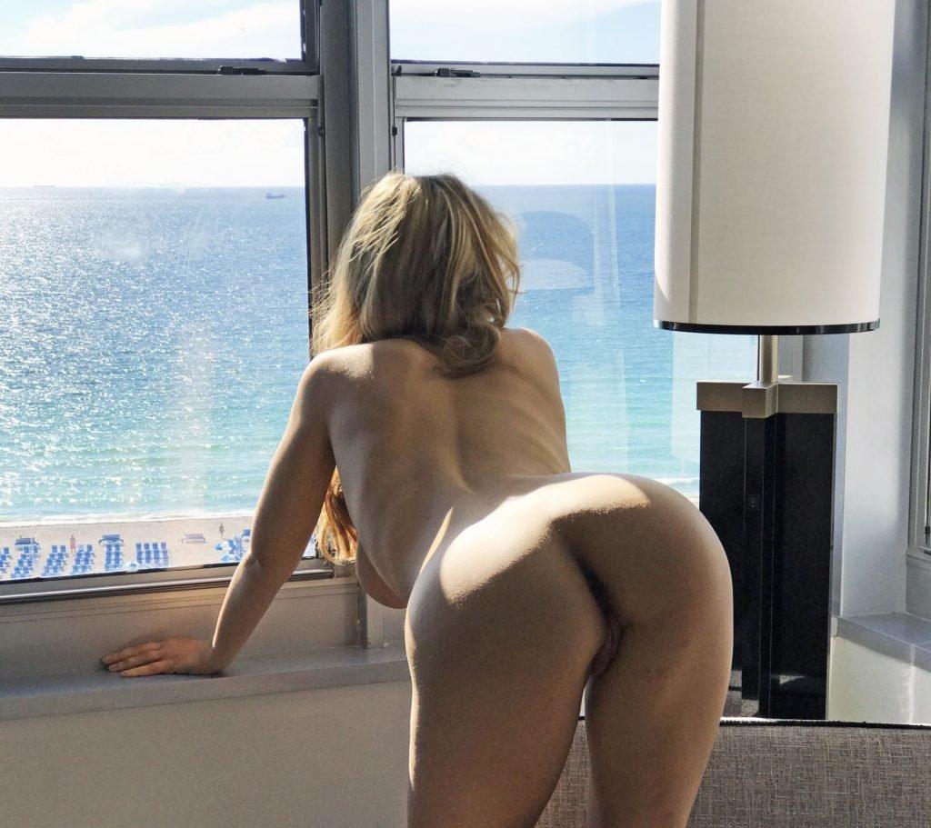 Caylee Cowan Tits photo 16