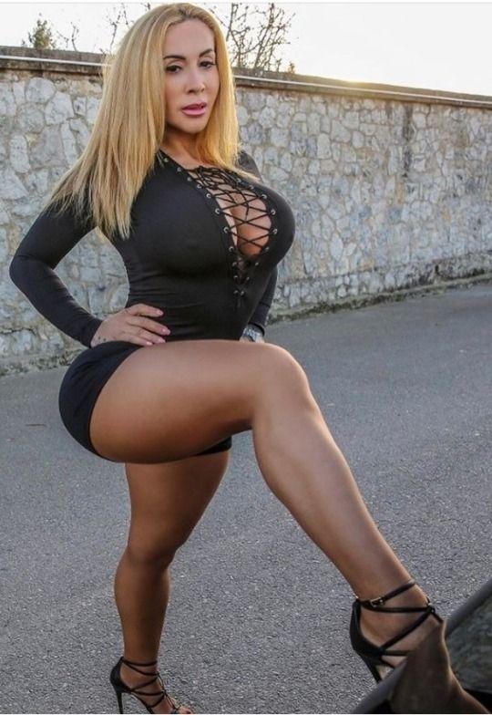 Victoria Lomba Pictures photo 7