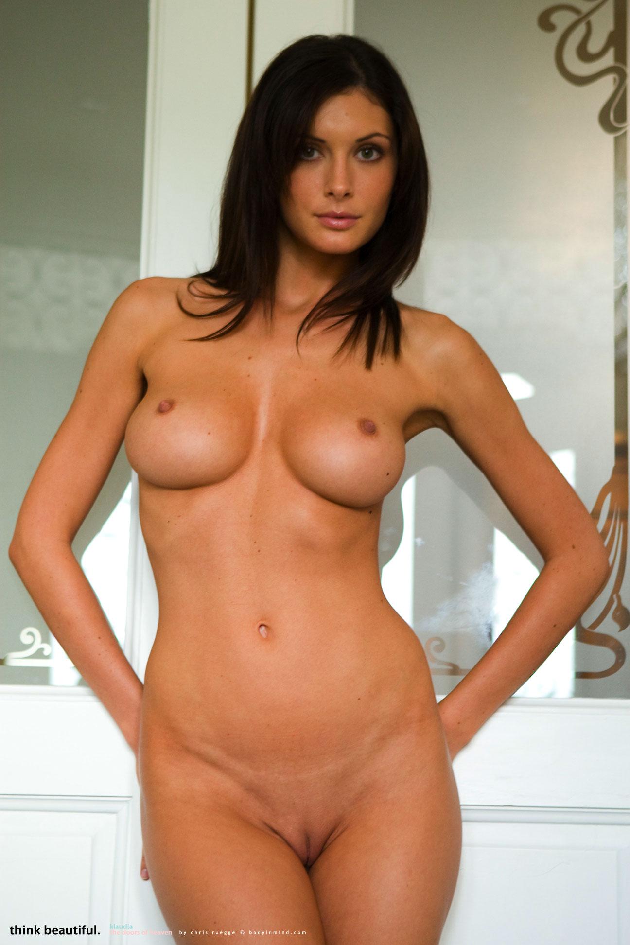 Orsi Kocsis Topless photo 4