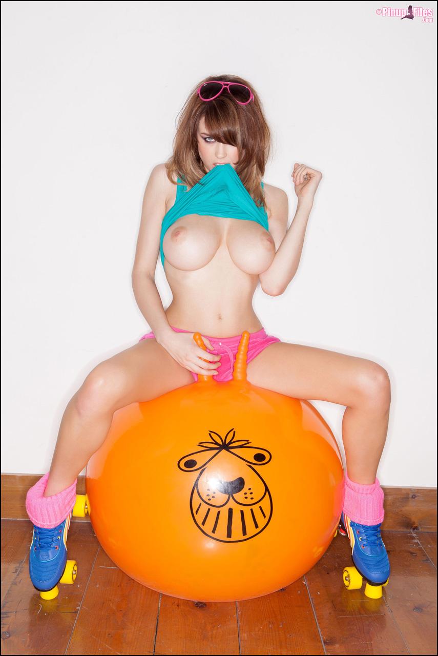 Danielle Sharp Topless photo 3