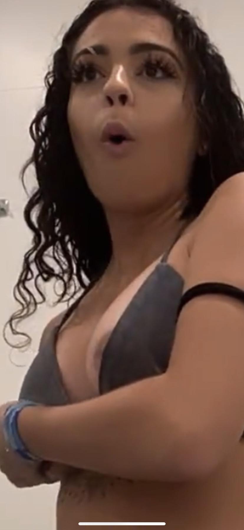 Accidental Nip Slip Reddit photo 13