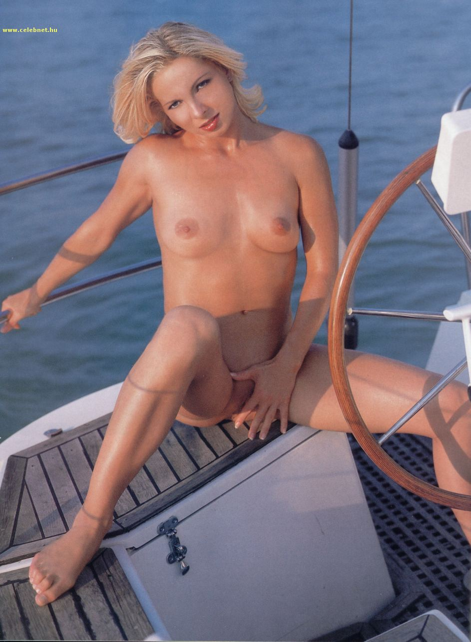 Gabi Naked photo 1