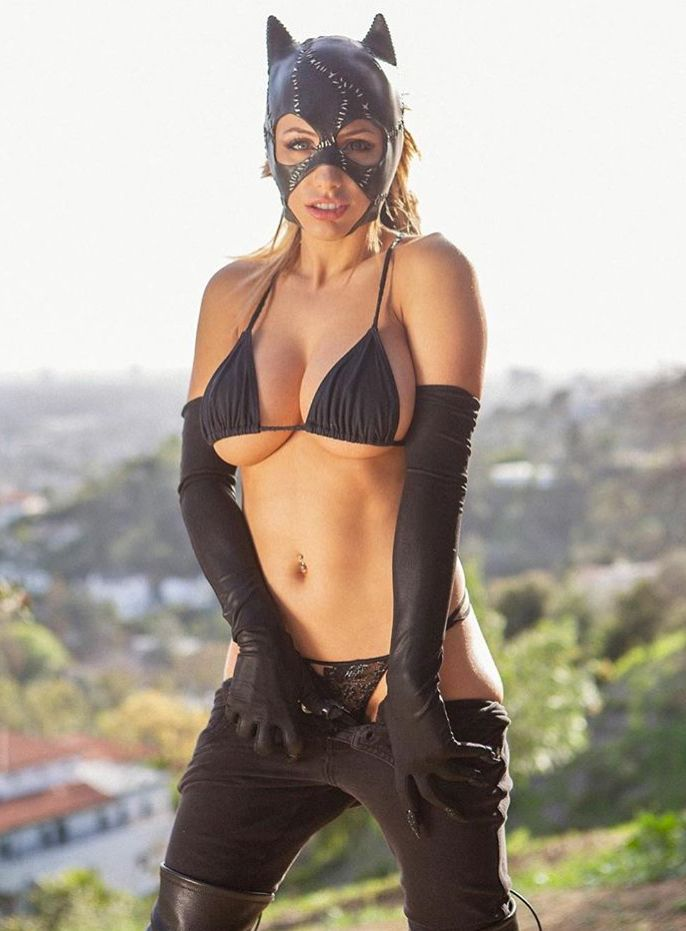 Liz Katz Cosplay photo 29