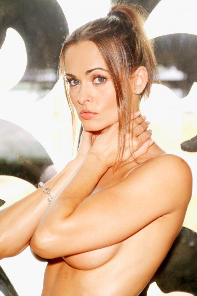 Karen Mcdougall Topless photo 18