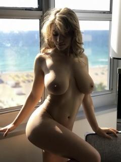 Caylee Cowan Tits photo 25