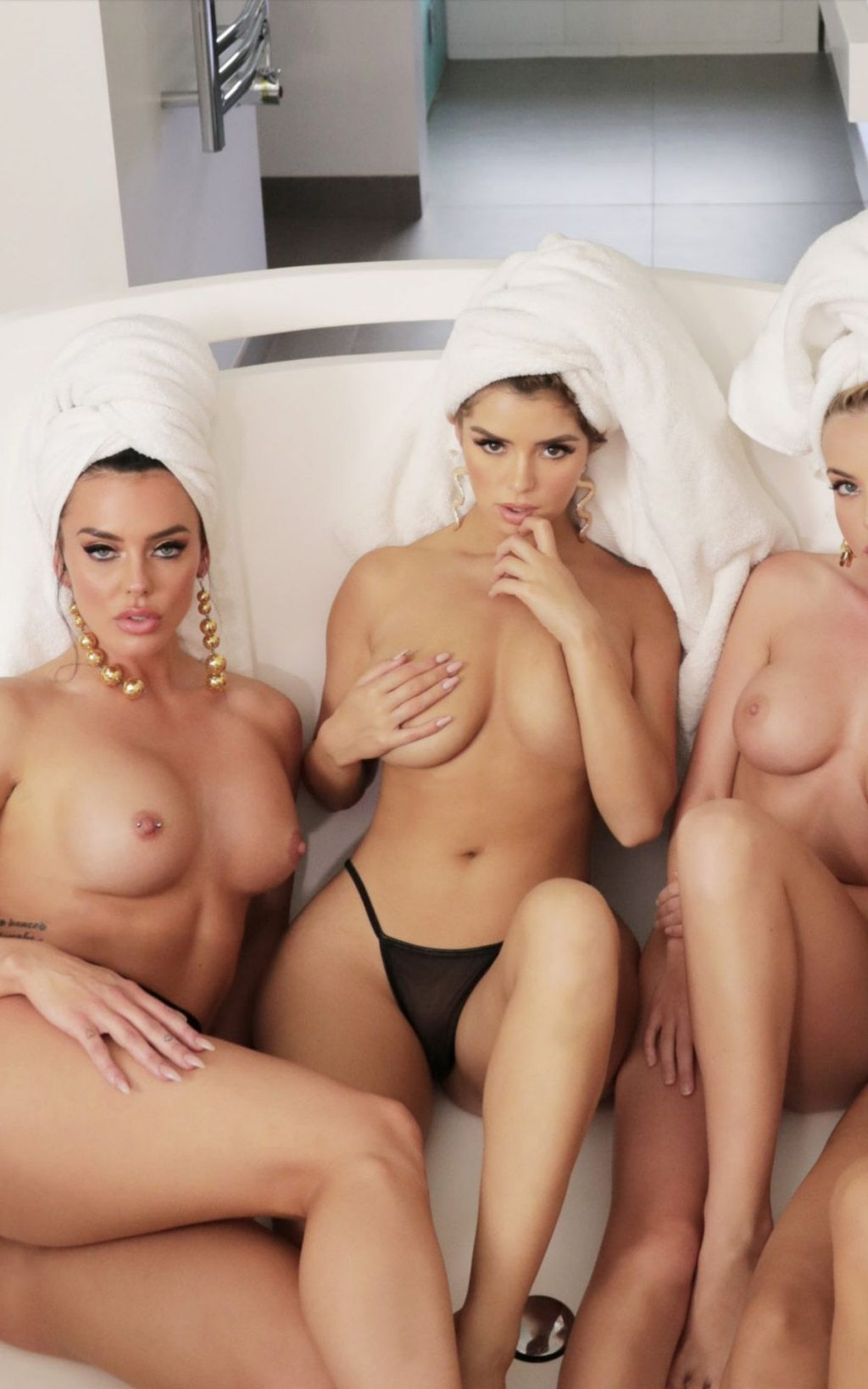 Demi Rose Nude Leak photo 18