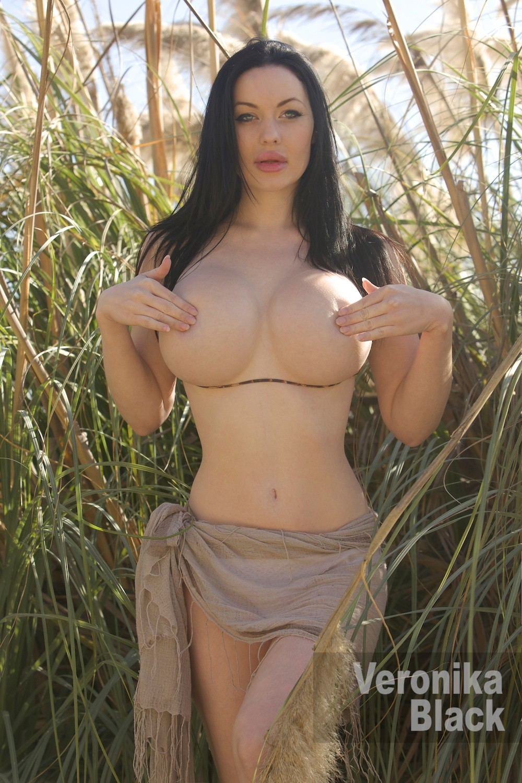 Veronica Black Tits photo 12