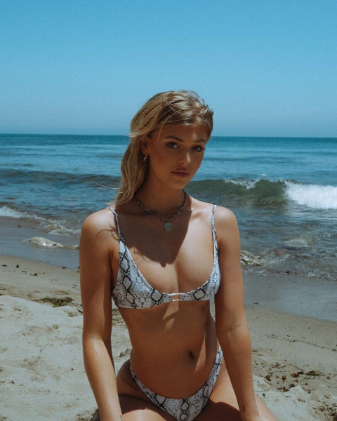 Loren Beech Swimsuit photo 20