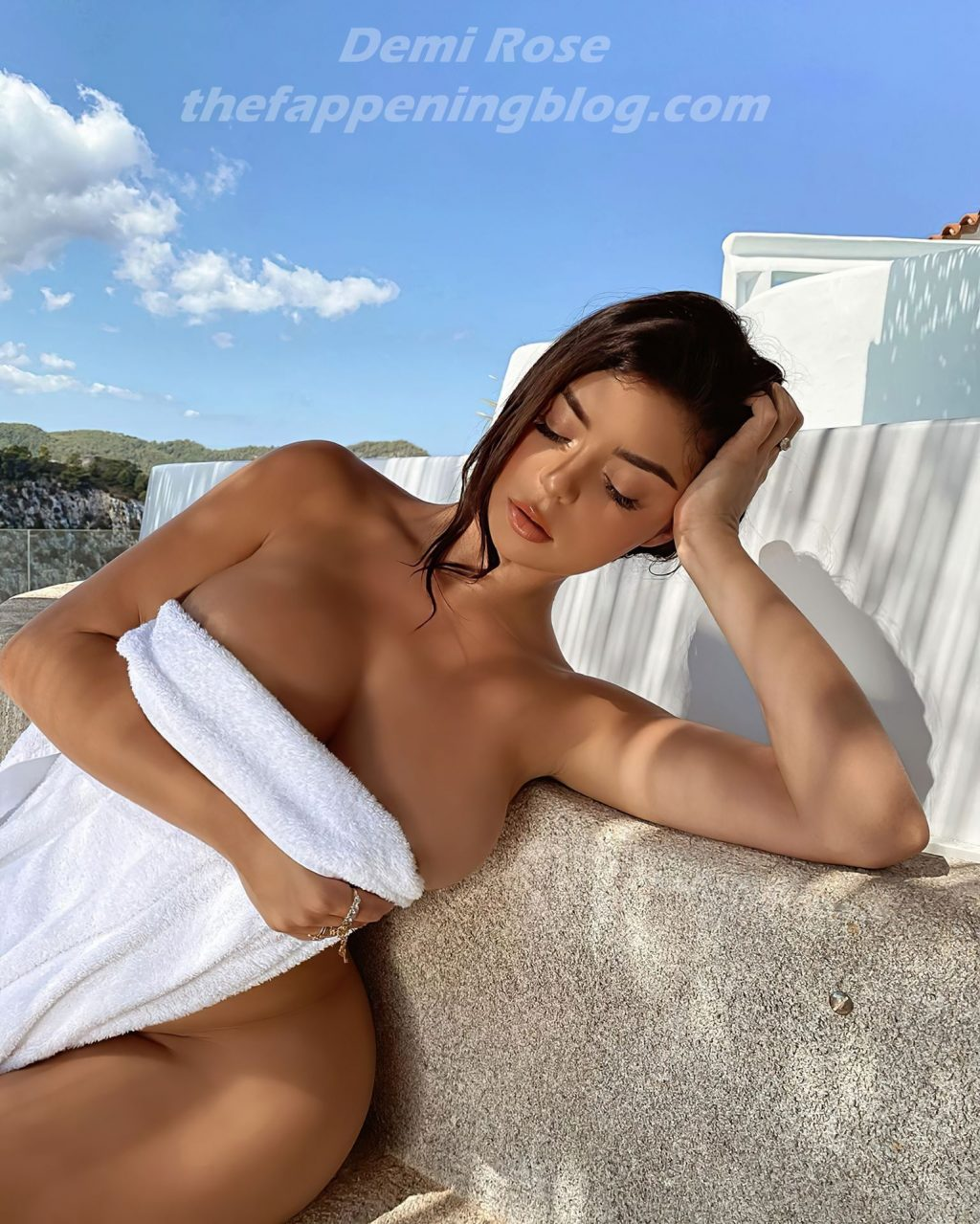 Demi Rose Naked Pictures photo 15