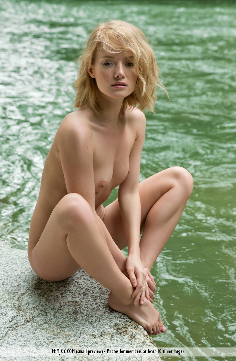 Gabi Naked photo 11