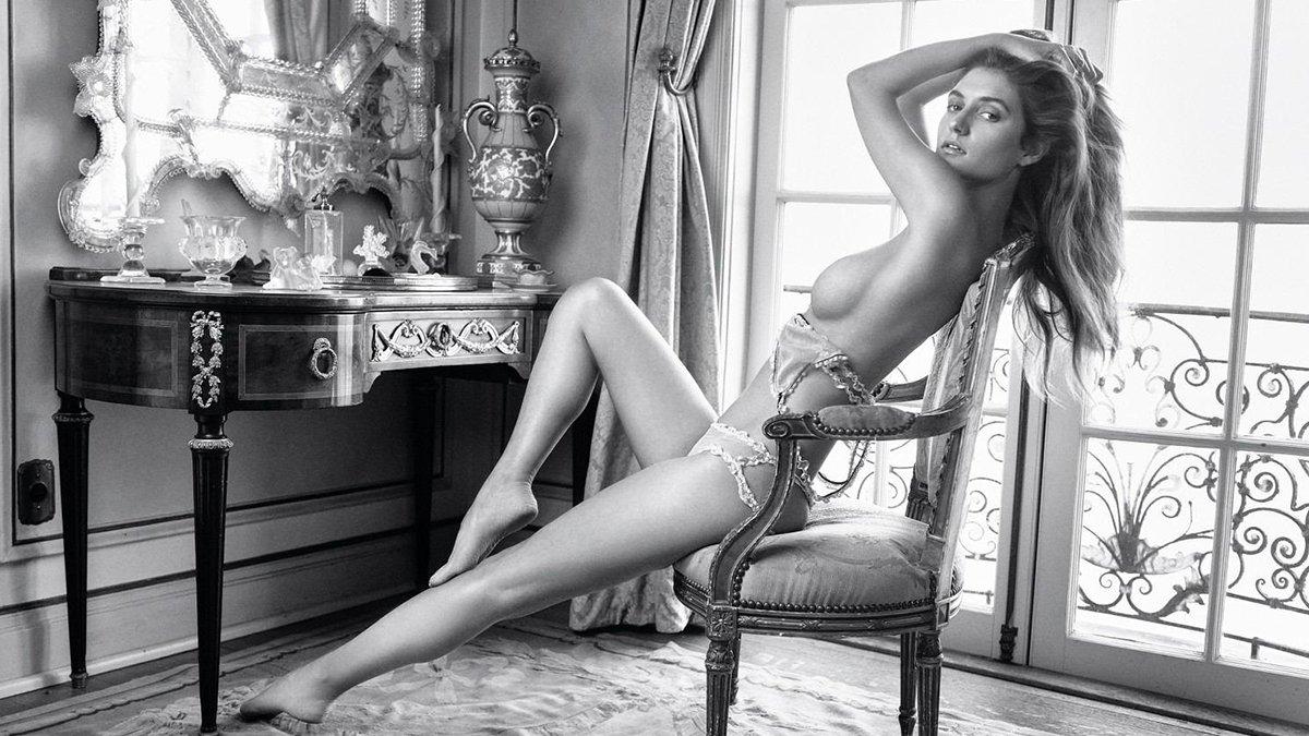 Playboy Elizabeth Elam photo 30