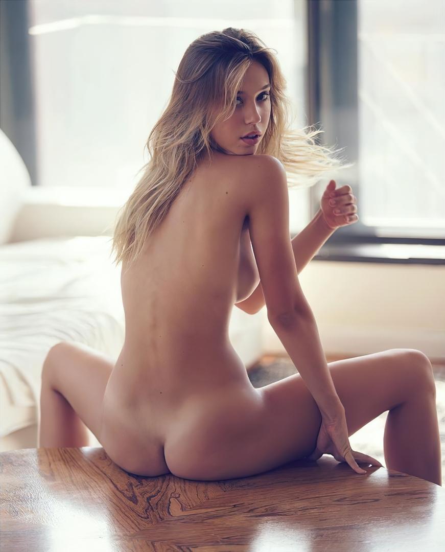 Alexis Ren Nud photo 14