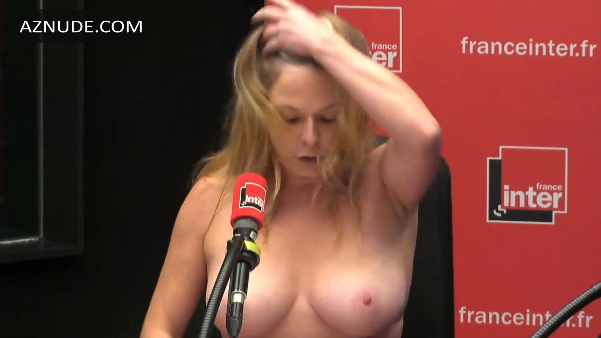 Constance Pitard Nude photo 13