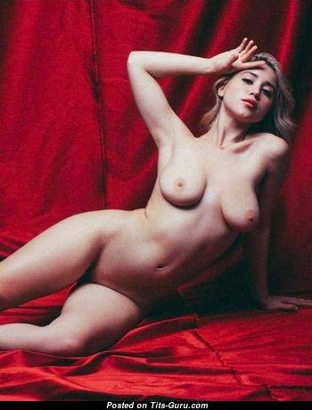 Caylee Cowan Tits photo 15