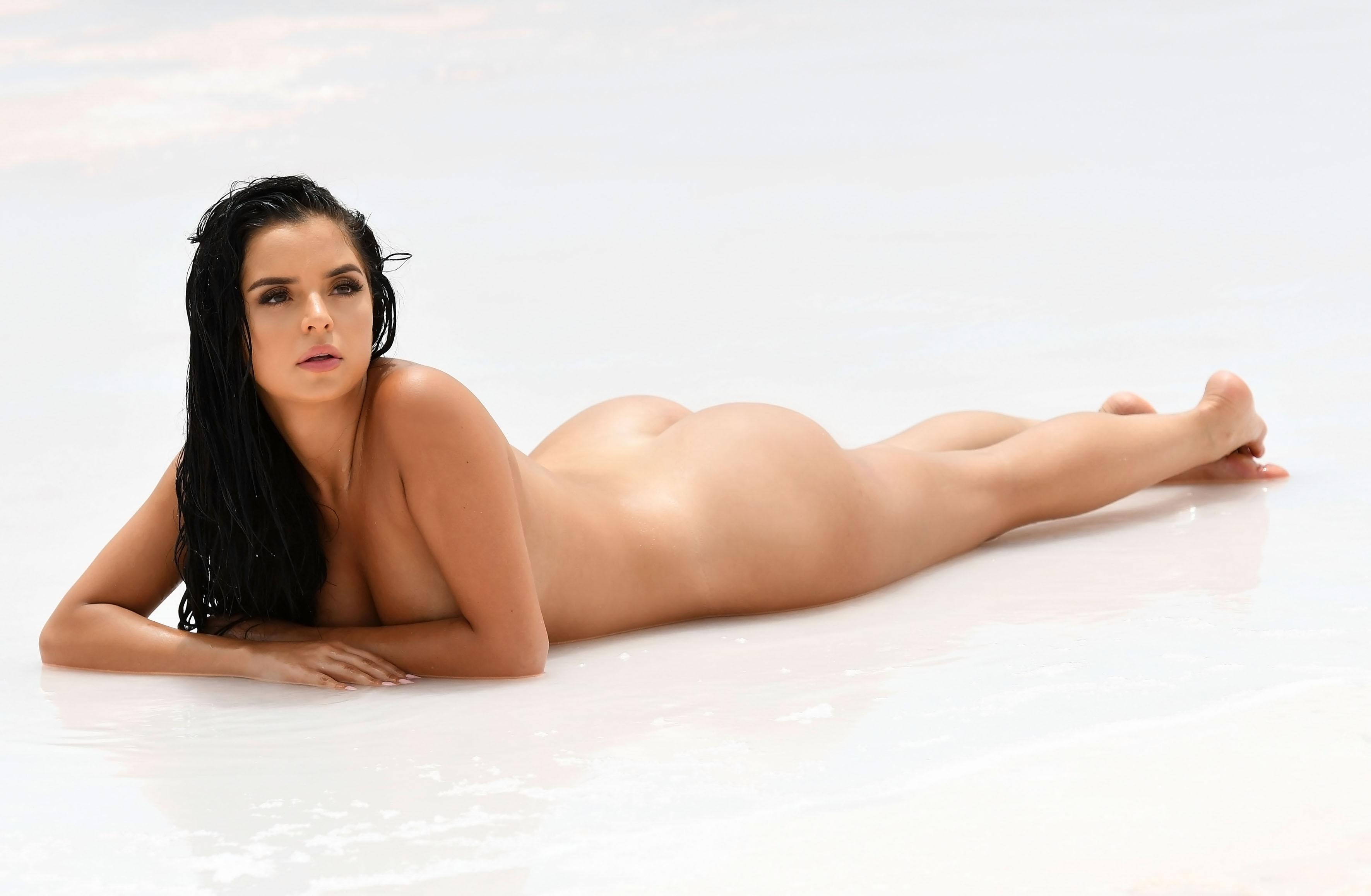 Demi Rose Naked Pictures photo 8