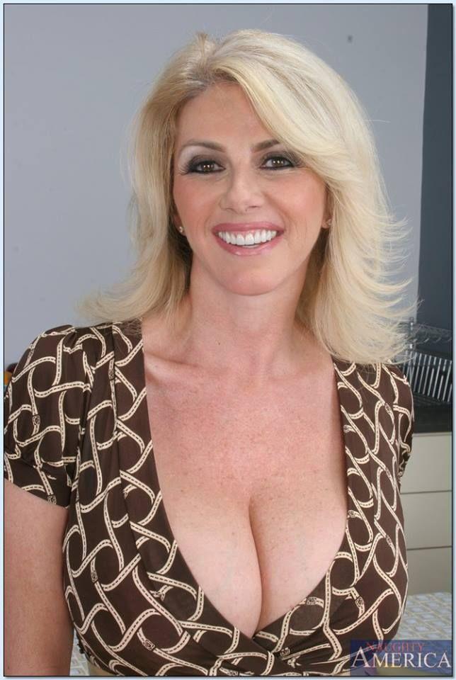Sexy Mom Tease photo 12