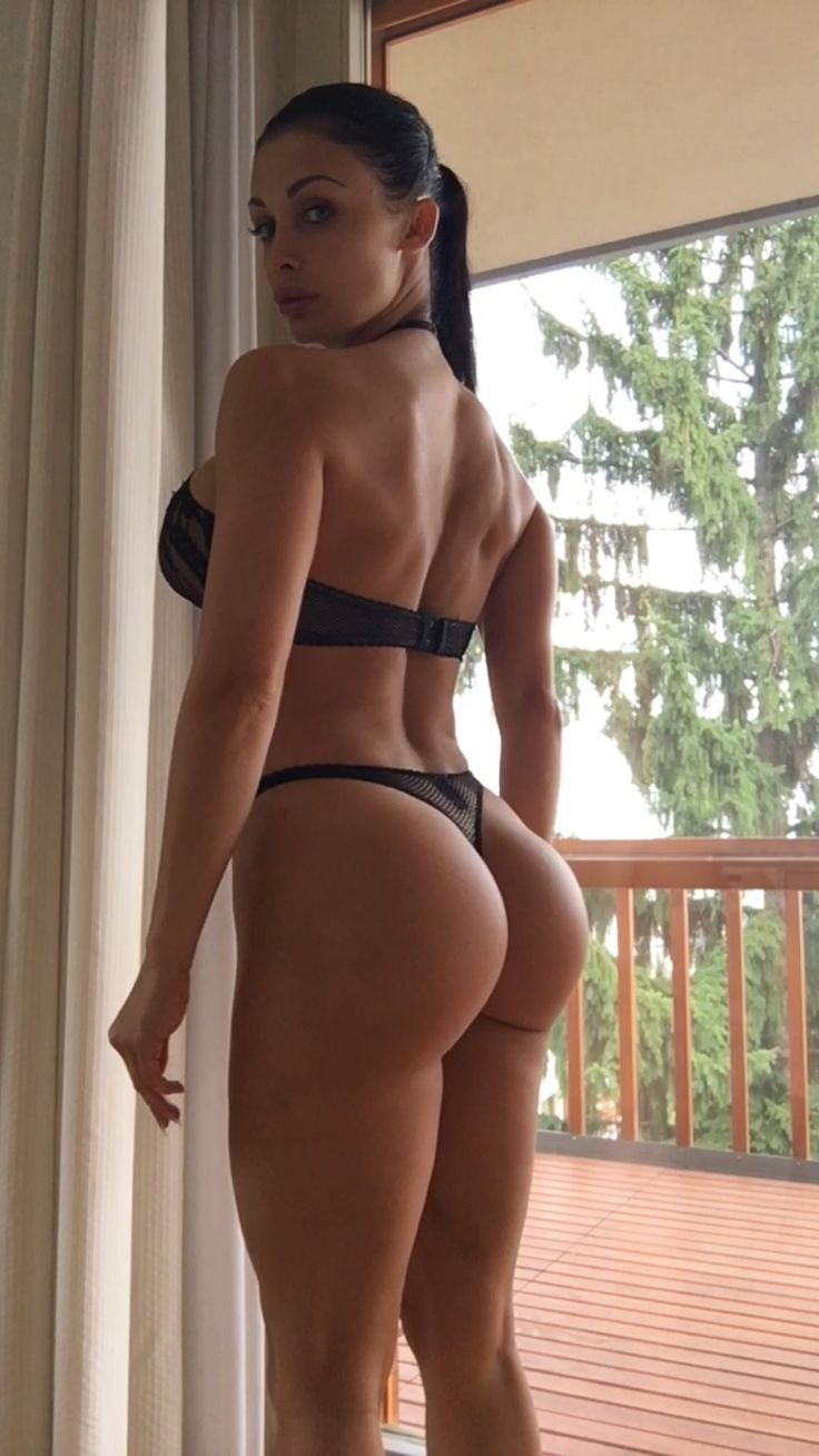 Aletta Ocean Butt Implants photo 17