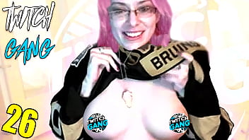 Girl Flashes Tits On Twitch photo 27