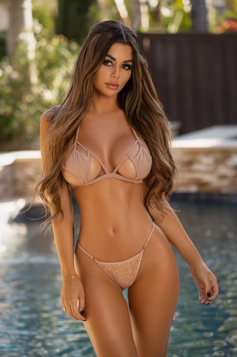 Juli Annee Pictures photo 8