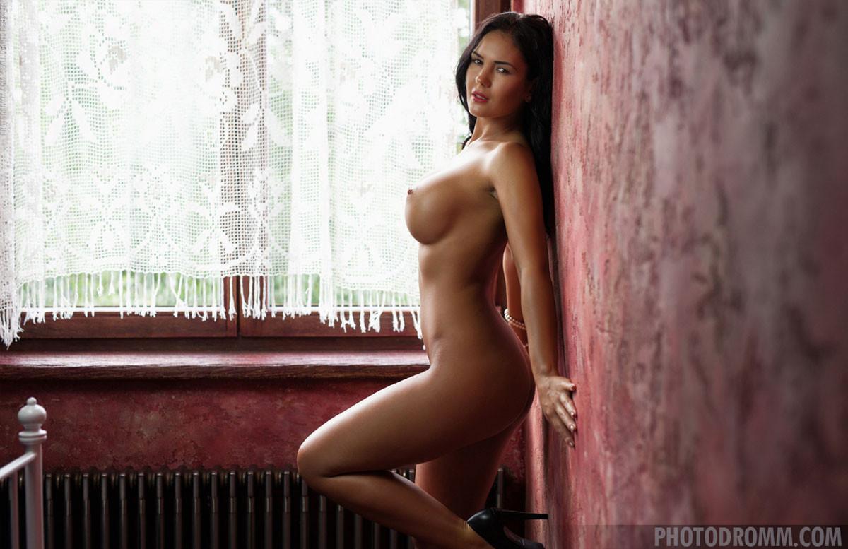 Kendra R Nude photo 23