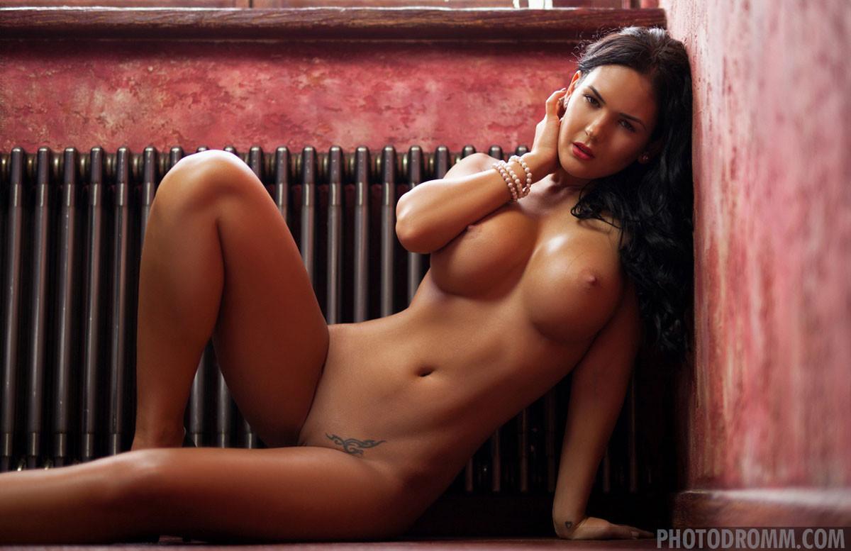 Kendra R Nude photo 11
