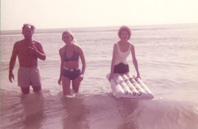 Loren Beech Swimsuit photo 19