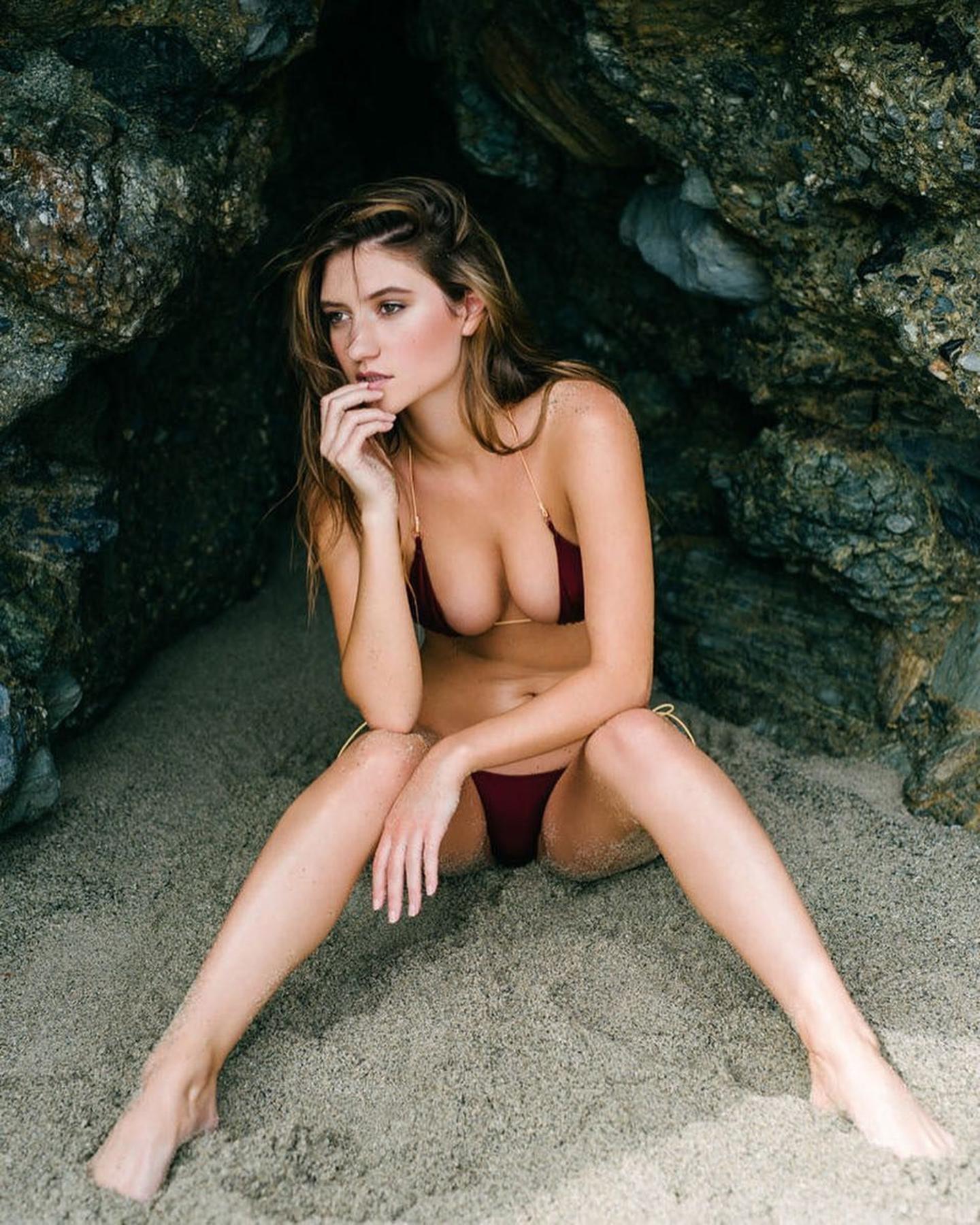 Playboy Elizabeth Elam photo 23