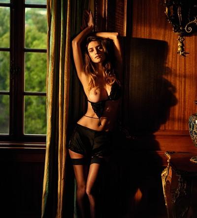 Playboy Elizabeth Elam photo 5