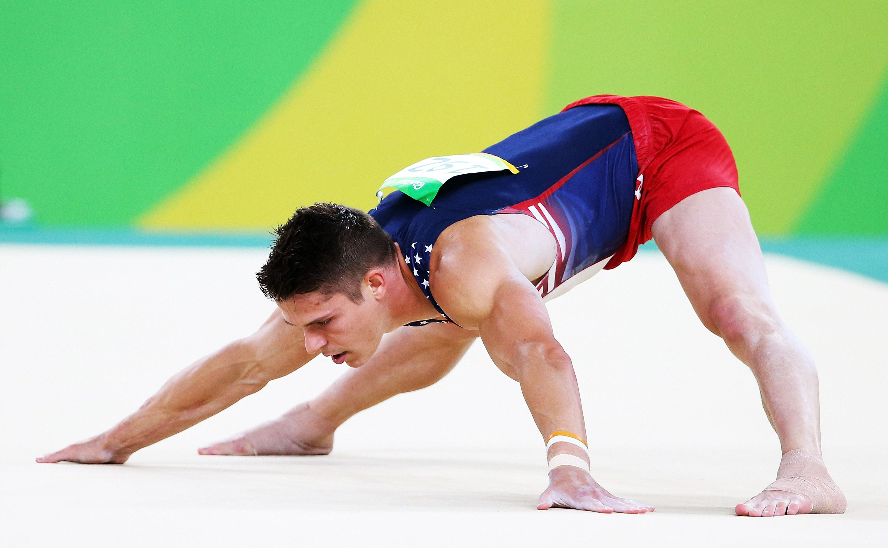 Sexy Gymnastic Videos photo 25