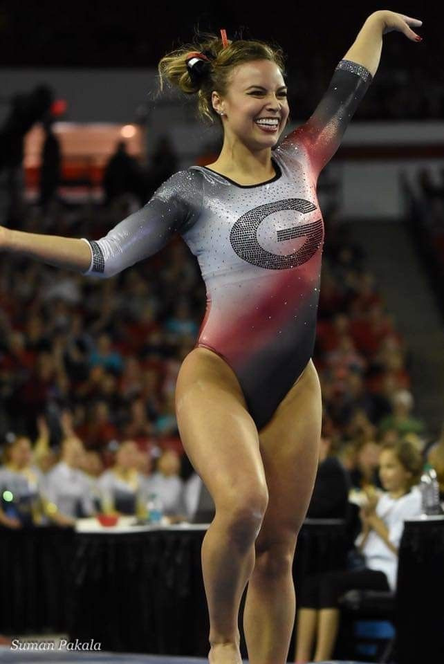 Sexy Gymnastic Videos photo 11