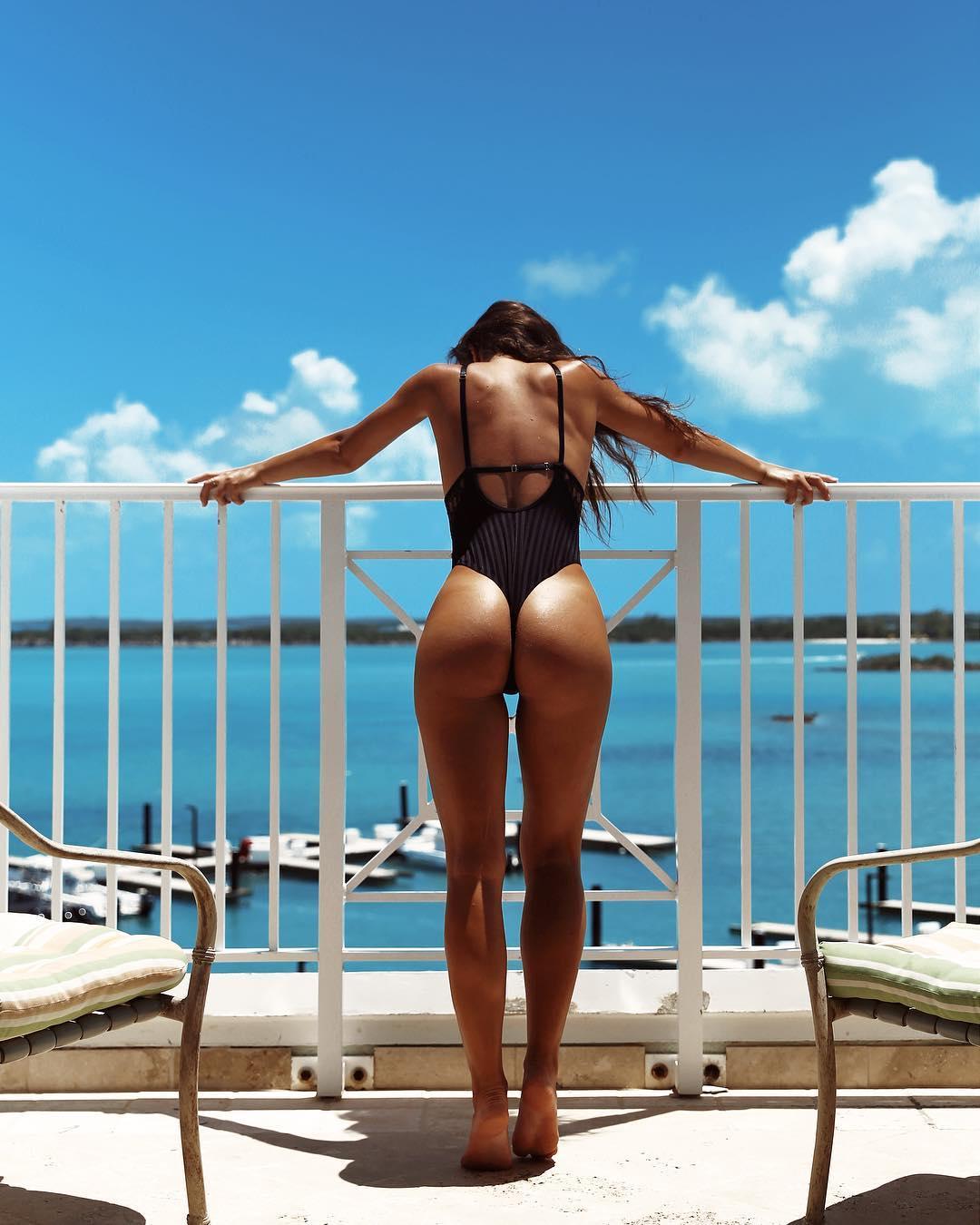 Steph Rayner Nude photo 4